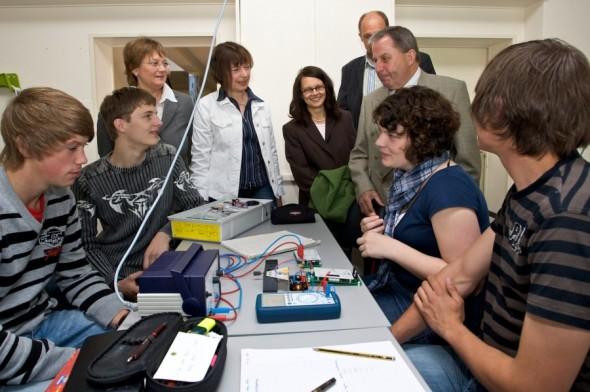 Neue Experimentierkästen für die Physik